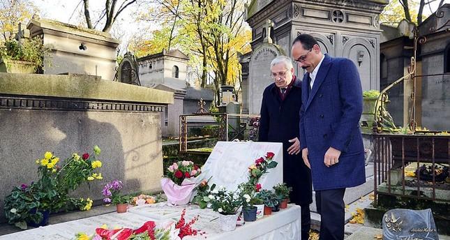 İbrahim Kalın besucht Grab von Ahmet Kaya