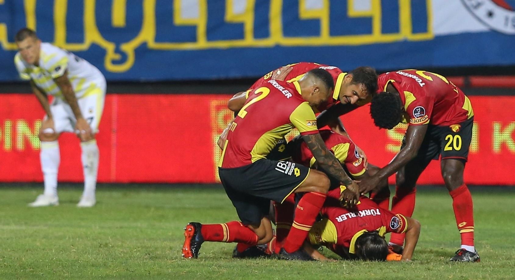 Gu00f6ztepe players celebrate their goal against Fenerbahu00e7e, Aug. 25.