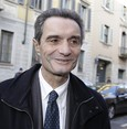 Migrants threaten Italy's 'white race:' leading regional candidate