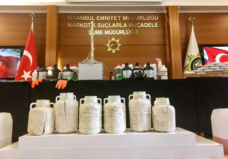 Heroin and methamphetamine seized by Istanbul police (AA file photo)