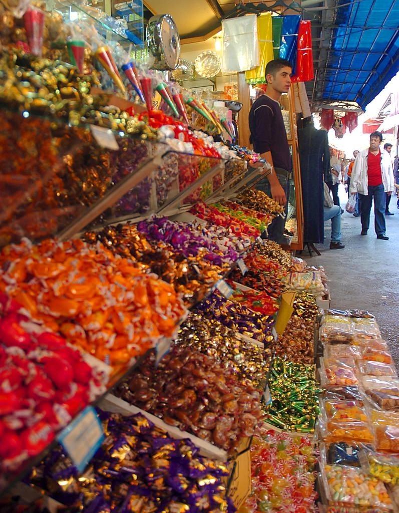 4-Kemeraltı Bazaar, İzmir