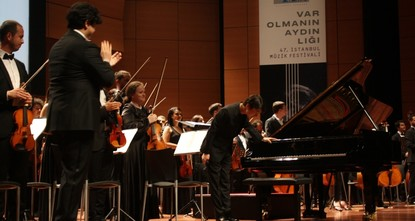 Istanbul Music Fest begins with piano, orchestra concert