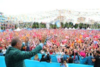 Erdoğan finishes campaign with 12 district rallies in Istanbul
