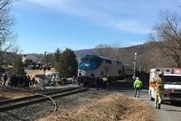 لقي شخصان على الأقل حتفهما، وأصيب 70 آخرون بجروح متفاوتة، إثر تصادم قطارين، اليوم الأحد، في ولاية كارولينا الجنوبية بالولايات المتحدة.  ونقلت شبكة