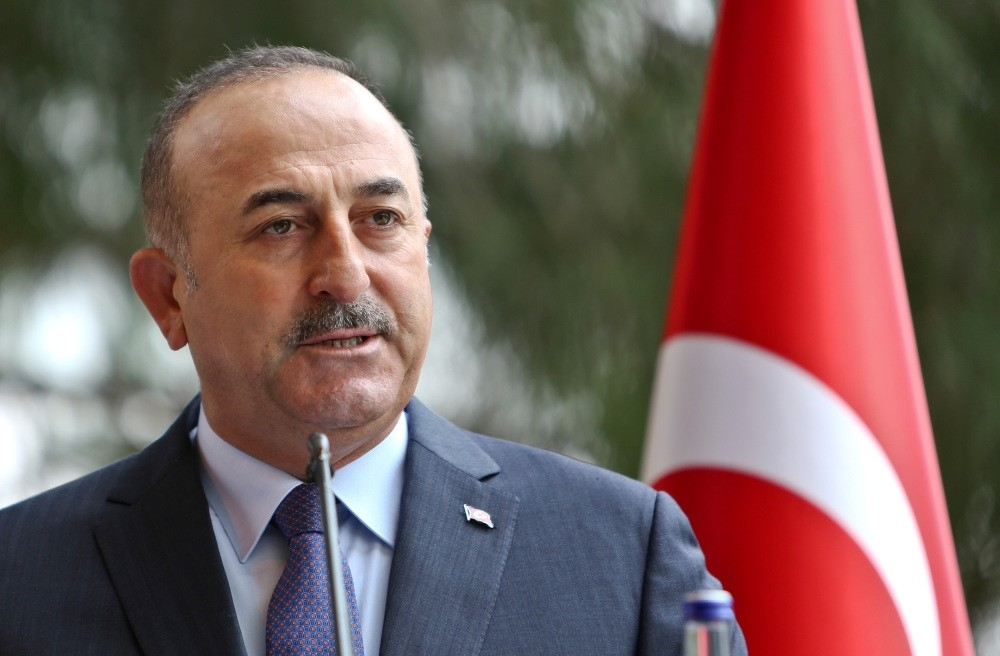 Foreign Minister Mevlu00fct u00c7avuu015fou011flu (L) said the U.S.'s unfulfilled promises concerning Manbij and of the issues, including the Gu00fclenist Terror Group (FETu00d6), have caused a loss of trust between the two allies.