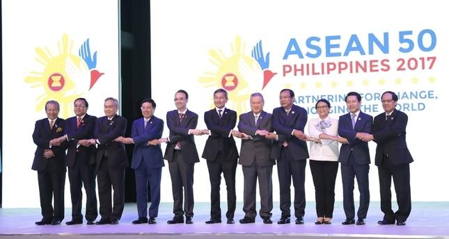 لقطة من حفل الافتتاح لمجموعة دول جنوب شرق آسيا (الأناضول)