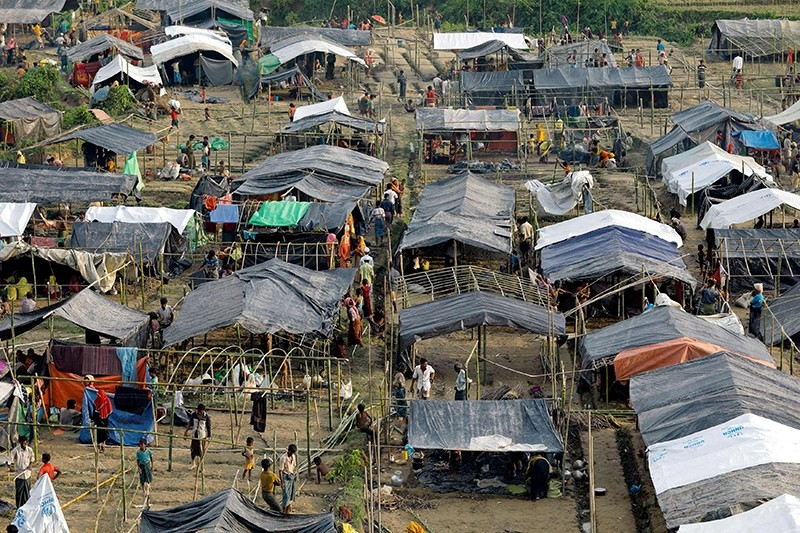 This file photo taken on Sept. 5, 2017 shows Rohingya refugees from Myanmar's Rakhine state set up shelters at a refugee camp at Unchiprang near the Bangladeshi border town of Teknaf. (AFP Photo)