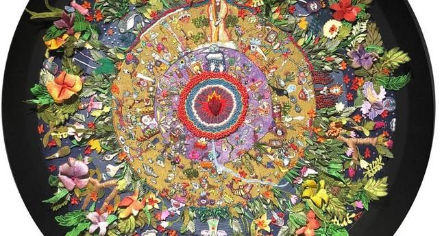 تحولات الحياة الثلاثة كما رآها نيتشه في معرض فني في إسطنبول