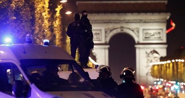 الداخلية البلجيكية: منفذ هجوم الشانزليزيه فرنسي