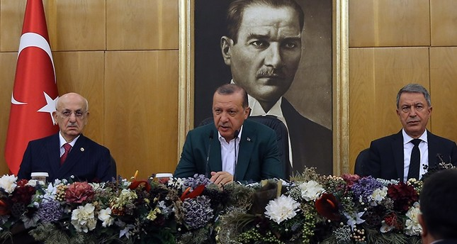 President Recep Tayyip Erdoğan (center) holds news conference ahead of his departure to New York to attend the 72nd session of the UN General Assembly (AA Photo)