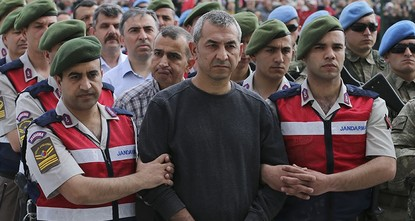 pIn statements that bewildered those watching the trial on last year's coup attempt, a colonel who led the raid in army headquarters said he was there to protect the generals./p  pFırat Alakuş...