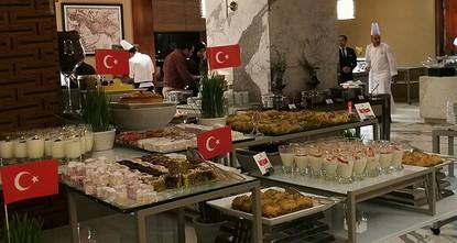 فندق قطري يحيي يوماً ثقافياً للمأكولات التركية ويقدم أشهى أطباقها لضيوفه