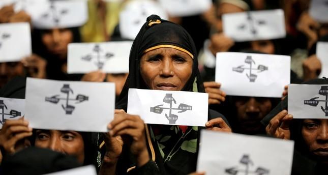 الروهينغا اللاجئون في بنغلادش ترعبهم خطة لإعادتهم إلى بورما