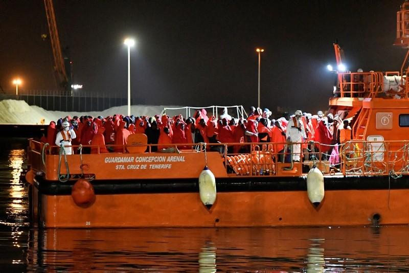 Migrants disembark from a Maritime Rescue Services vessel at the port in Almeria, Spain, Jan. 5, 2019. (EPA Photo)