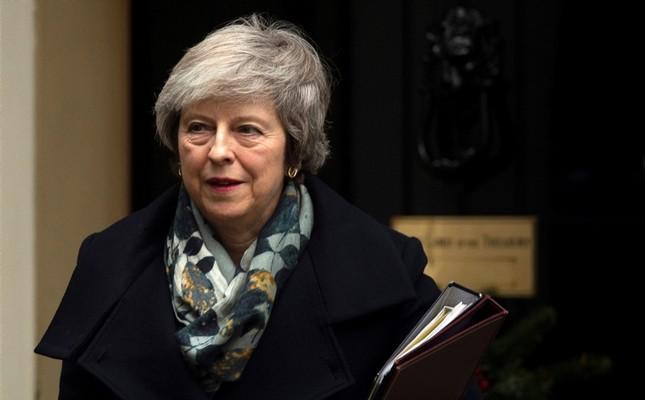 British Prime Minister Theresa May departs 10 Downing Street in London, Britain, Dec. 17, 2018. (EPA Photo)