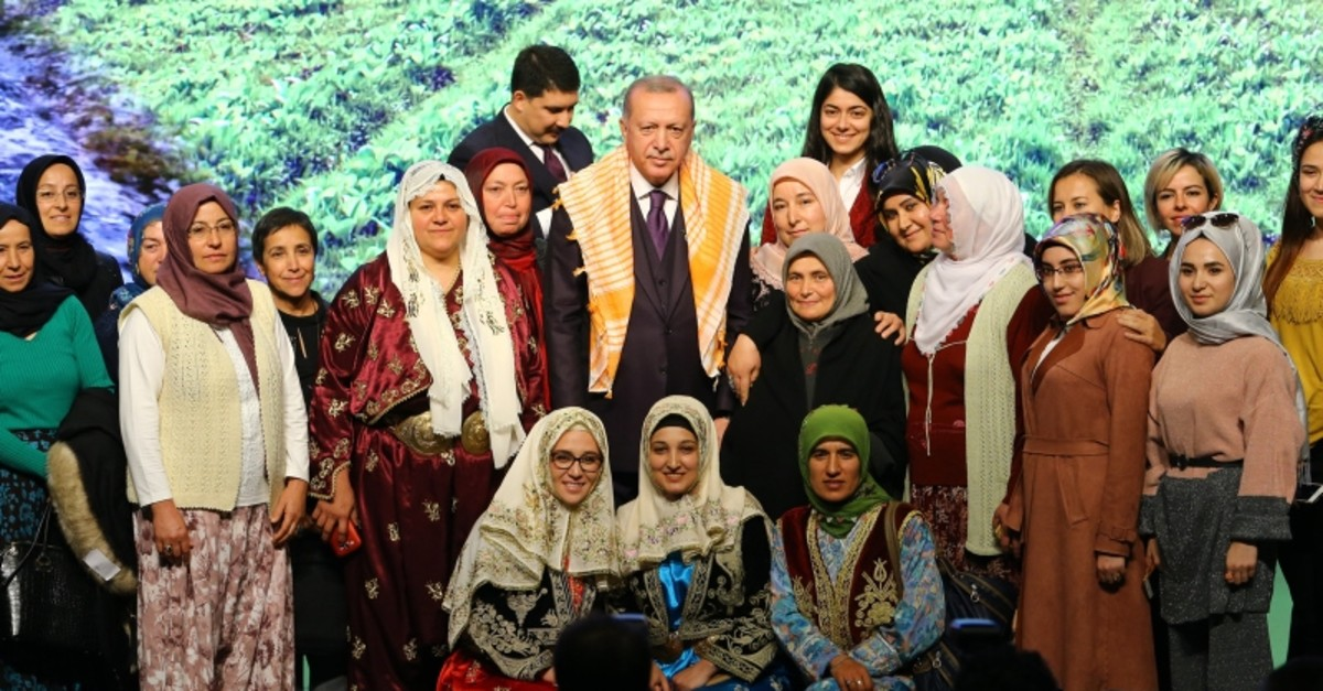President Recep Tayyip Erdou011fan poses with attendees at the 3rd Turkey Agriculture and Forestry Council in the capital Ankara, Nov. 21, 2019. (AA Photo)