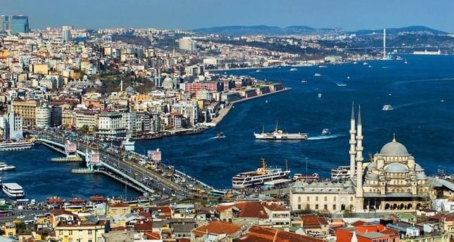 القرن الذهبي في إسطنبول.. الميناء الذي يرسو فيه التاريخ