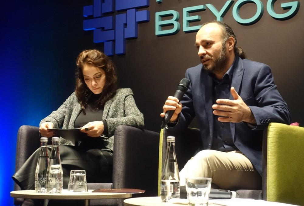 Jury member Sezin Akbau015fou011fullaru0131 (L) and festival director Faysal Soysal at the publicity meeting.