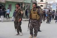 عناصر من قوات الأمن في كابل قرب موقع التفجير 9 مارس 2018  (رويترز)
