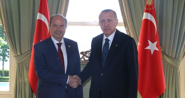 أردوغان يستقبل رئيس وزراء جمهورية شمال قبرص التركية في إسطنبول