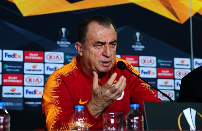 Fatih Terim speaks at a press conference in Istanbul, Feb.13, 2019. Terim relies on Diagne (right) and two new transfers in the starting 11 for a win against Benfica.