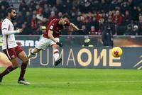 Turkey's Çalhanoğlu shines as Milan set up Juve cup semi clash