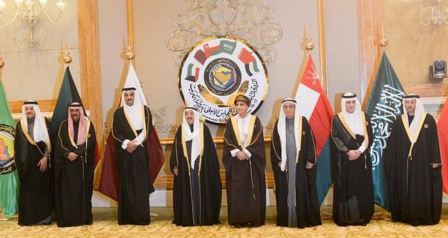 قمة الكويت تدعو لوحدة الصف الخليجي واستمرار جهود الانتقال نحو الاتحاد