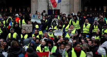 قبيل انطلاق المظاهرة.. الشرطة توقف 25 شخصا في باريس