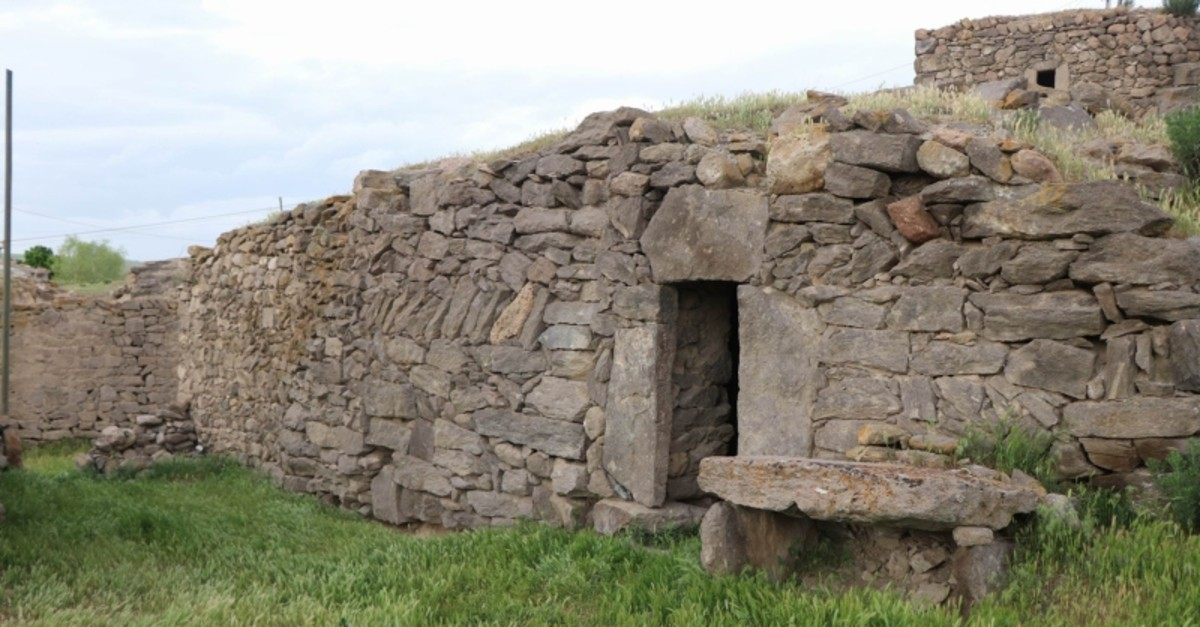 The stable in which the 3,500-year-old Hittite hieroglyphs were found in Turkey's Nevu015fehir province (IHA Photo)