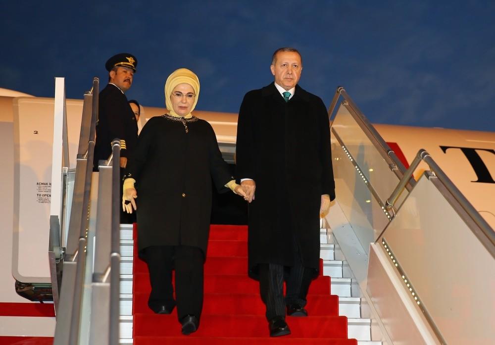 President Erdou011fan arriving with first lady, Emine Erdou011fan, Algiers, Feb. 26, 2018.