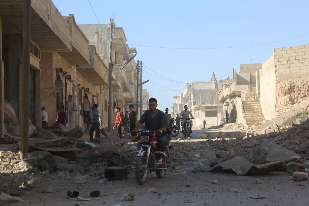 In recent days, regime forces have ramped up their deadly bombardment of southern Idlib, causing massive damage in the town, while sending reinforcements to nearby areas they control.