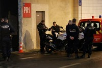 Man shot dead in Paris after threatening police