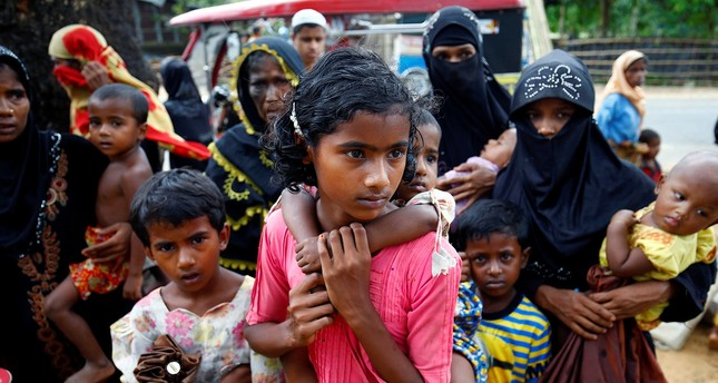 New Rohingya refugees arrive near the Kutupalang makeshift Refugee Camp, in Cox's Bazar, Bangladesh, August 29, 2017 Reuters Photo