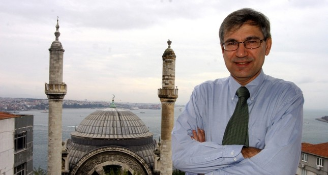 Orhan Pamuk: From realism to intertextuality