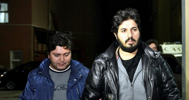 emA file photo of the arrested Turkish-Iranian gold trader Reza Zarrab (R)./em