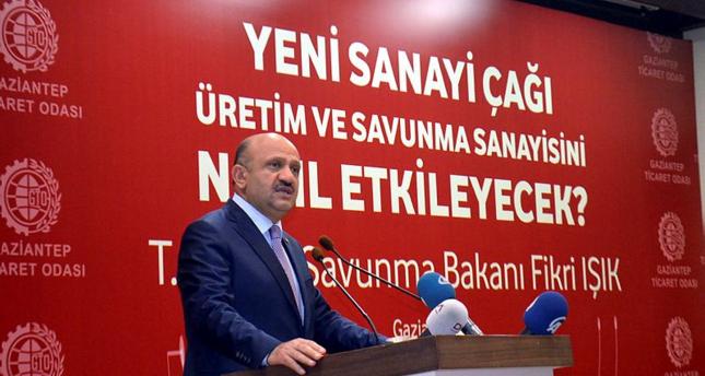 وزير الدفاع التركي: لن نسمح للعنصريين بأوروبا باستخدام بلادنا أداة انتخابية