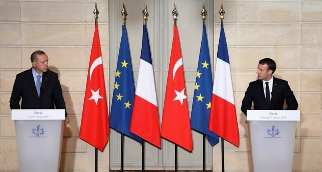 Erdoğan offers condolences to Macron for terror attack
