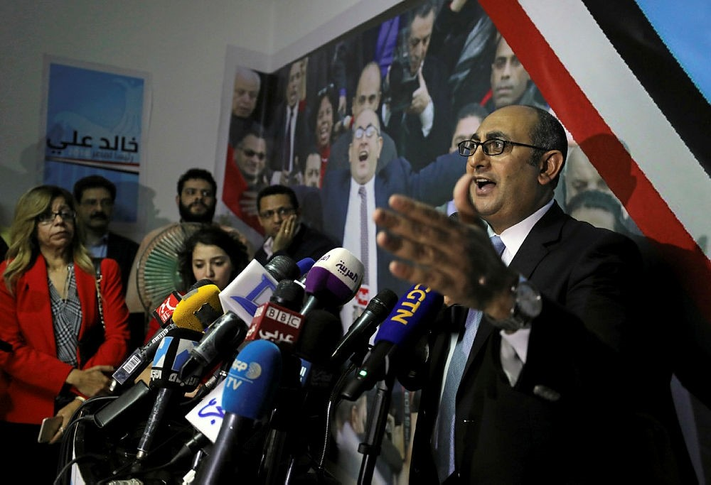 Khaled Ali speaks during his news conference at Egypt's Dostour (Constitution) Party headquarters in Cairo, Egypt, November 6, 2017. (REUTERS Photo)