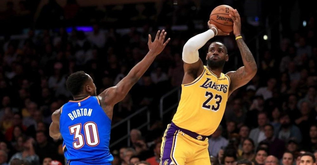 LeBron James shoots over the defense of Deonte Burton during the second half of the game at the Staples Center in Los Angeles, Nov. 19, 2019. (AFP Photo)
