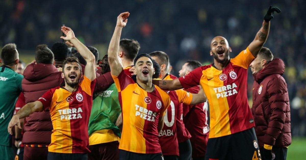 Galatasaray's Marcelo Saracchi (L), Radamel Falcao (M) and Marcos do Nascimento Teixeira celebrate their Su00fcper Lig Week 23 victory against archrival Fenerbahu00e7e at the u00dclker u015eu00fckru00fc Sarau00e7ou011flu Stadium in Kadu0131ku00f6y, Istanbul, Feb. 23, 2020. (AA Photo)