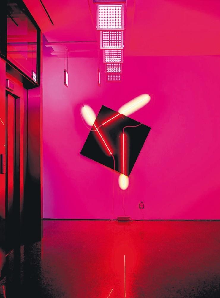 Franu00e7ois Morellet's piece ,Nu00e9ons 3D  60u00b0-90u00b0-35u00b0, in the ,Twilight, exhibition.
