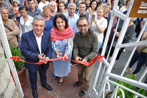 افتتاح معرض فني في تركيا مقتنياته لا ترى بالعين المجردة
