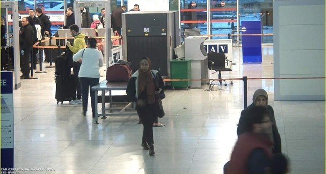 The Somali man, seen here in the security camera footage of the airport, was nabbed thanks to attentive police officers. AA Photo