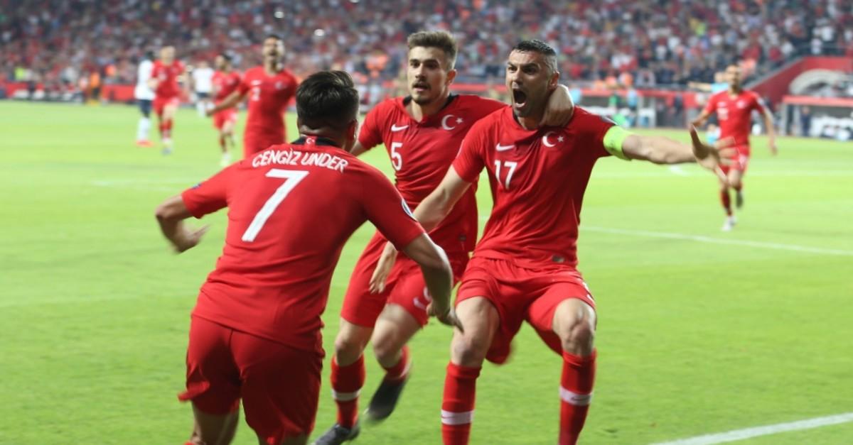 Cengiz u00dcnder and teammates celebrate the second goal against France, June 8, 2019.