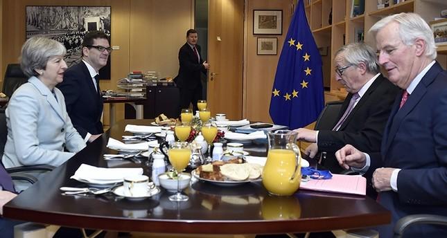 بريطانيا والمفوضية الأوروبية تتوصلان إلى اتفاق أولي حول بريكست