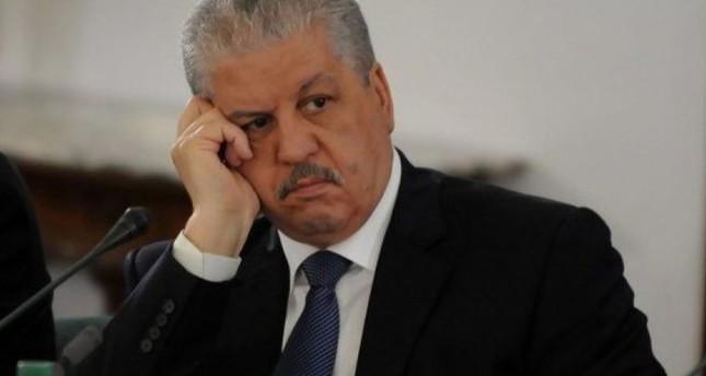 بينهم السلال وأويحيى.. الجزائر: إيداع 19 شخصا الحبس ضمن تحقيقات تتعلق بالفساد
