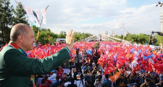 President Erdoğan during an election rally in Kurdish majority Diyarbakır