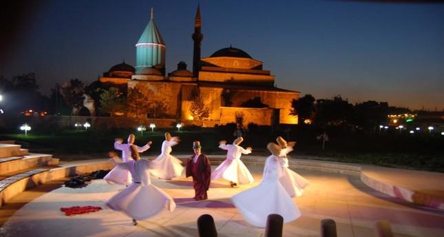 من فعاليات مهرجانات مولانا السابقة الأناضول