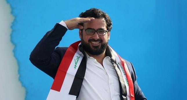الصحافي العراقي منتظر الزيدي أثناء حضوره مؤتمر جماهيري في بغداد لتحالف سائرون نحو الإصلاح بين مقتدى الصدر والشيوعيين وكالة الأنباء الفرنسية