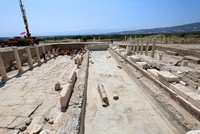 Excavations reveal 2nd century fountain in ancient city in western Turkey